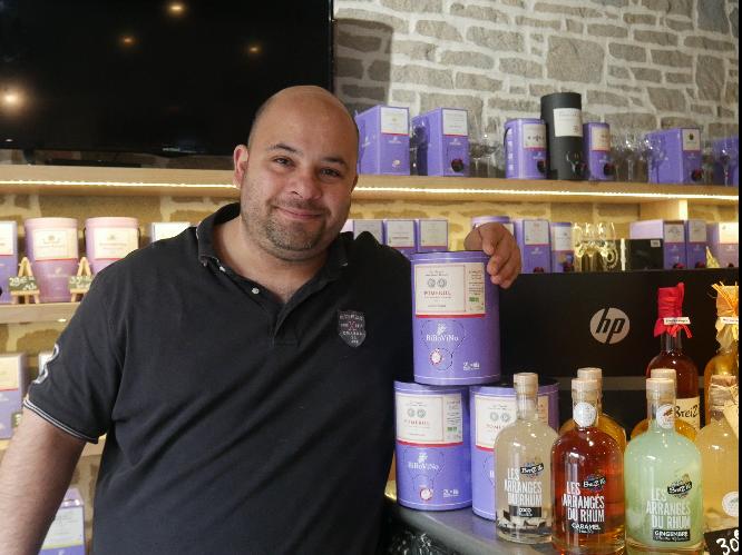 Luis le patron Bibovino Vannes Restaurant centre ville de Vannes Reservation restaurant Solidaire Labonapp