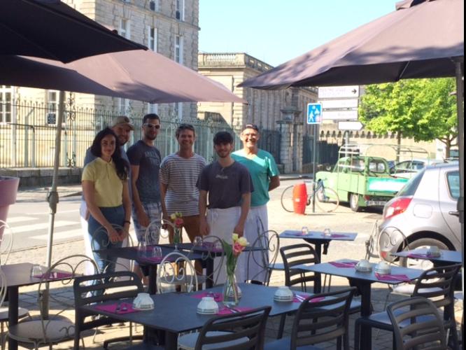 l'équipe de la crêperie l'îlot galette à Vannes, restaurant solidaire avec Labonapp
