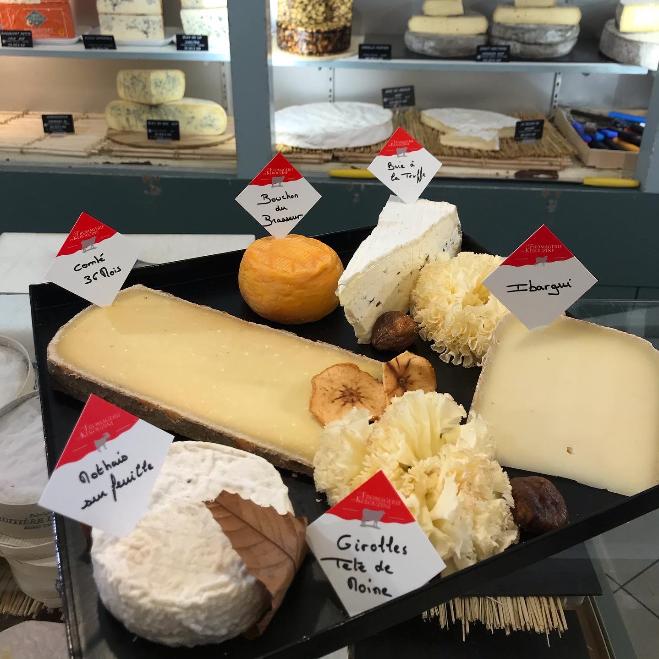 Plateau de fromages excellents vannes Kerouzine
