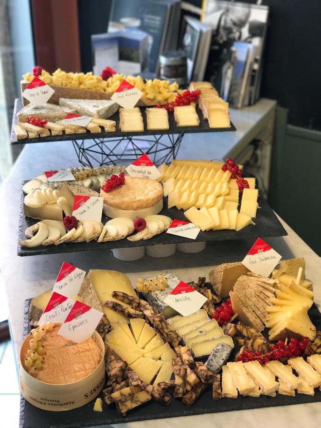 plateau de tres bons fromage vannes Kerouzine